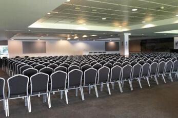 Oval Seminar Seating